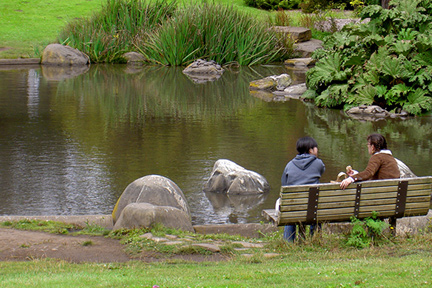 eat-lunch-in-park-WP