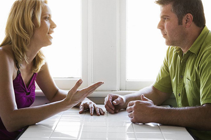 Couple-talking-at-table-wp