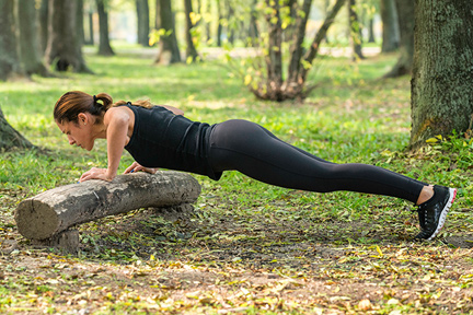 pushups-on-log-wp