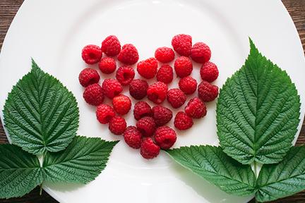 stomach-cramps-raspberries-wp