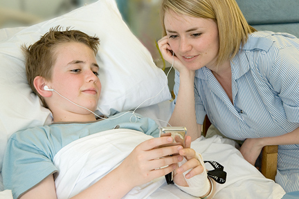listen-to-music-in-hospital-wp