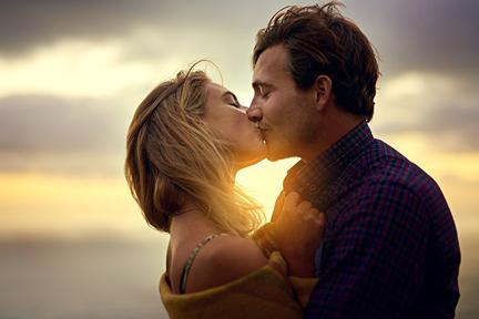 kiss-your-partner-immune-system-wp