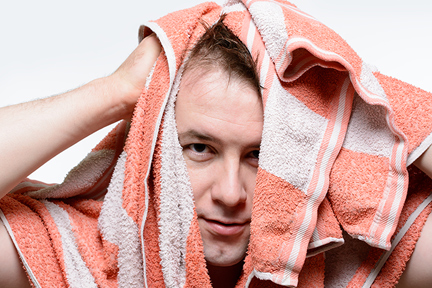 man-towel-dry-hair-wp