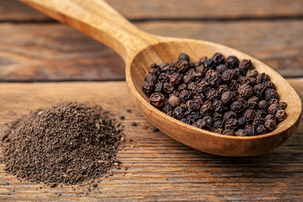 piperine-peppercorn-wp
