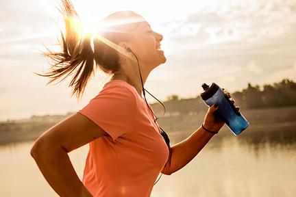 exercise-bottle-on-desk-wp
